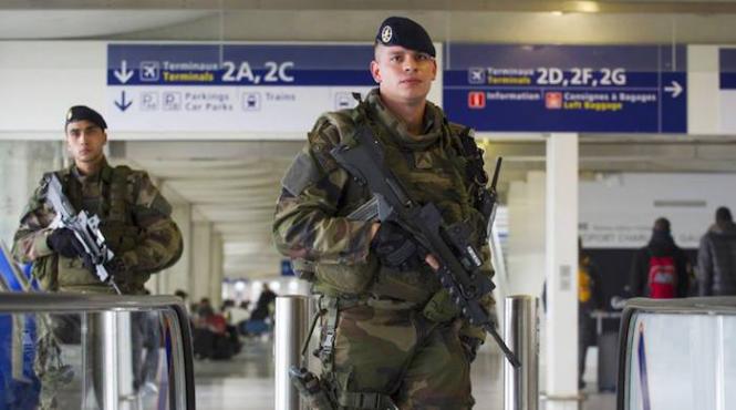Antiterrorisme : les contours de la future loi soulèvent des inquiétudes